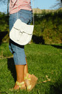 Light-pink-t-shirt-light-yellow-mazzarri-shoes-light-blue-jeans-white-bag