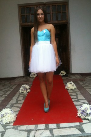 sky blue satin and tulle unknown brand dress