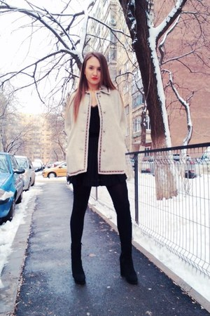 black high heels boots - black soft New Yorker top - black plié H&M skirt