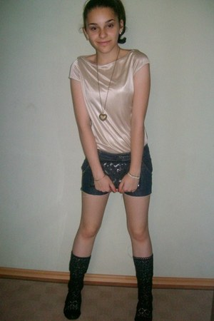 boots - bag - shorts - top - necklace