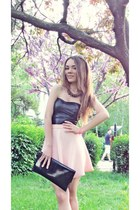 black purse - black random necklace - light pink Bershka skirt