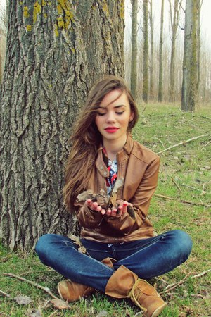 brown jacket - brown boots - navy jeans - red shirt