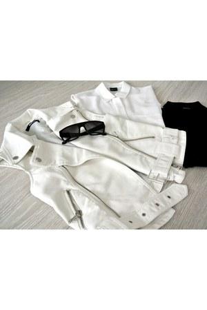 leather GINA TRICOT vest - silk GINA TRICOT shirt - glasses