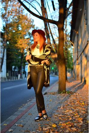 Vero Moda blouse - black Stradivarius jeans - crimson dresslily hat