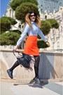 Light-blue-dames-shirt-carrot-orange-dames-skirt