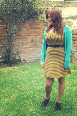 mustard everyday pull&bear dress - brown lace up oxfords shoes
