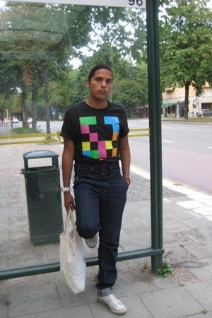 Bershka t-shirt - Sunday Sun jeans - Converse shoes - blammo