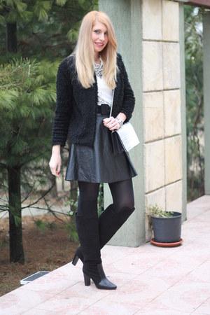 black H&M blazer - black Zara boots - H&M bag - Zara necklace