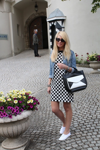 black and white Zara bag - black and white Zara dress - jeans Esprit jacket