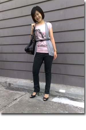 angeLa Tan shirt - next vest - Guess belt - insighT 51 jeans - Guess shoes - Guc