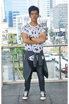 black Comme des Garcons sneakers - dark gray Uniqlo jeans - gray Uniqlo jacket