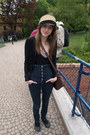 Blue-ag-jeans-camel-new-yorker-hat-black-zara-cardigan-bubble-gum-bershka-