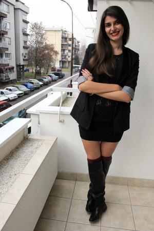 black blazer - black Bershka boots - maroon Bershka socks