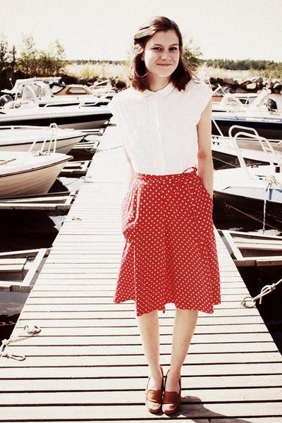 vintage blouse - vintage skirt - vagabond loafers