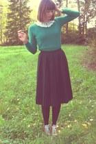 green lindex sweater - black thrifted skirt - crimson coonverse flats
