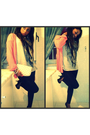 pink cardigan - gray Stradivarius t-shirt - black Bershka accessories - black Za