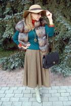 brown fox fur Fendi vest - beige Accessorize hat - black Chanel bag