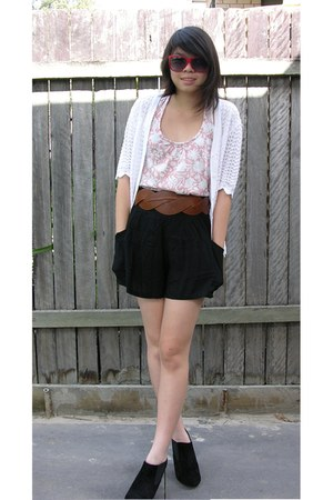 pink floral print Myer top - black suede Target boots - black SES shorts