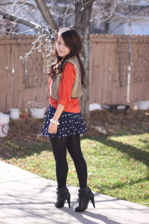 navy abercrombie and fitcher skirt - black Kelsie Dagger boots