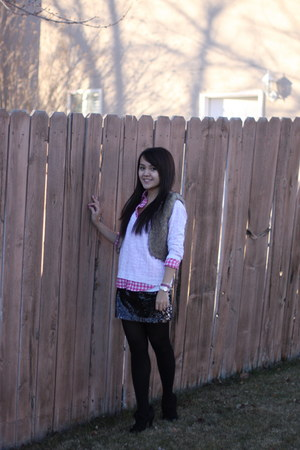 Yesstyle vest - American Eagle sweater - abercrombie and fitch shirt