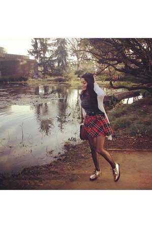 red plaid Marilyn Monroe skirt - gold oxfords Deena & Ozzy shoes