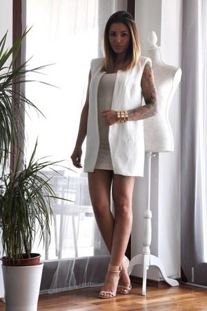 cream H&M dress - white Zara vest - gold H&M bracelet - beige Zara heels
