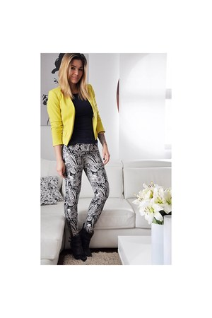 navy Zara boots - yellow H&M blazer - navy H&M t-shirt - gray printed Zara pants