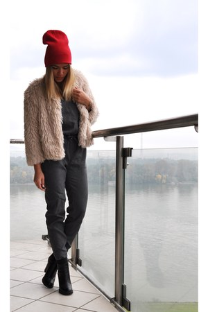 peach fluffy H&M jacket - black Zara boots - red H&M hat - gray H&M bodysuit