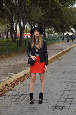 red mini skirt rachel roy skirt - black heeled boots Zara boots
