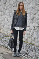 gray cotton Hanes sweatshirt - black black jeans H&M jeans