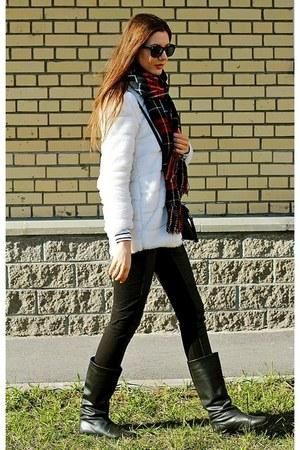 Stradivarius scarf