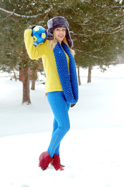 yellow Bar III sweater - blue Old Navy scarf - red PacSun wedges