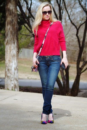 navy jeans - hot pink sweater - navy Nine West heels
