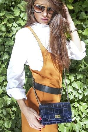suede boutique boots - casual Zara shirt - leather bag Uterque bag