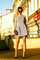 yellow Chanel necklace - navy Helena Rubintein bag - crimson vintage sunglasses