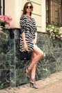 Black-snake-skin-vintage-bag-black-oasap-sunglasses-white-zara-heels
