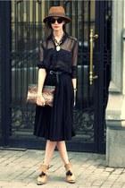 nude Zara heels - tawny vintage hat - black Zara skirt - black H&M belt