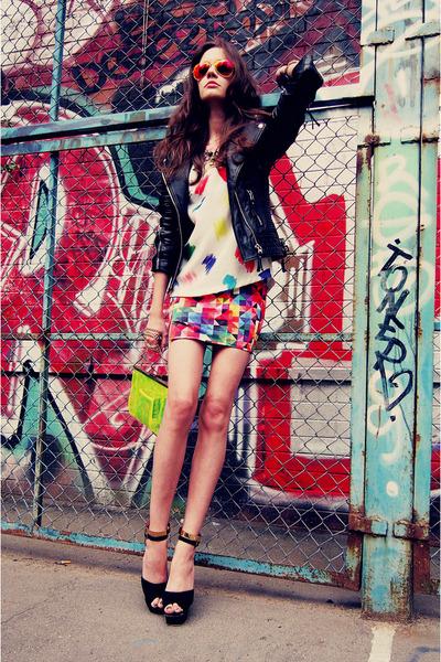 gold Ici Fashion skirt - black leather jacket Boda Skins jacket