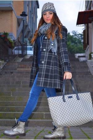 Fendi hat - Stradivarius jeans - Gucci bag