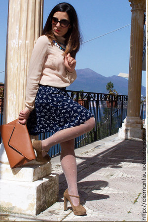 neutral Calzedonia tights - navy asos skirt - neutral intimissimi blouse