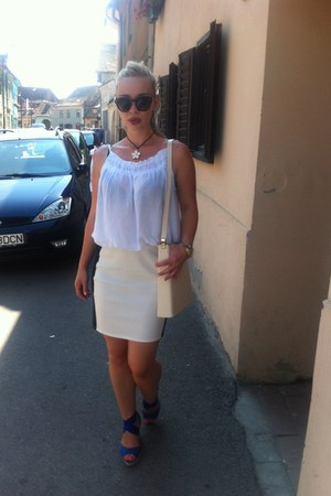 white shirt - white bloomingdales bag - Marc Jacobs necklace - blue wedges