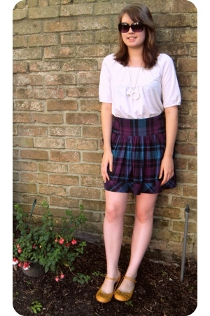 Urban Outfitters skirt - Charlotte Russe top - Betsey Johnson sunglasses - Targe