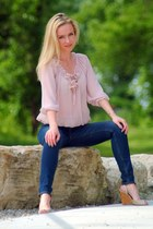 navy hollister jeans - pink vintage blouse - beige Nine West wedges