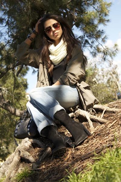 Cesare Pacciotti boots - Victorias Secret jeans - rock and republic jeans