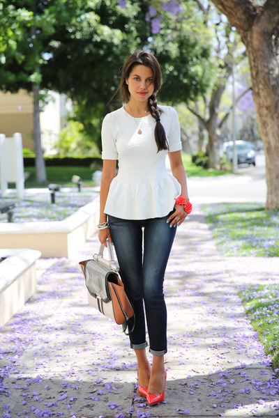 white BCBG bag - navy Rich & Skinny jeans - white Torn by Ronny Kobo top
