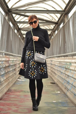 black neoprene Sheinsidecom skirt - black H&M sweater - silver FASHIONTAG bag