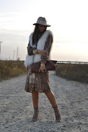 ivory H&amp;M vest - dark brown Mango dress - eggshell Topshop hat