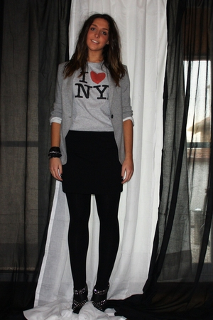 gray Zara blazer - gray from NY t-shirt - black H&M skirt - Zara shoes - black H