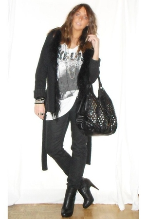 Zara sweater - Zara t-shirt - REPLAY pants - silvian heach boots - H&amp;M belt