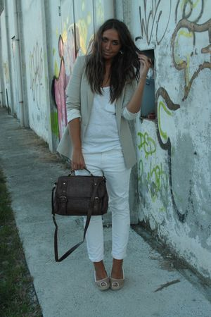 beige Zara blazer - white H&amp;M top - white Zara pants - beige kanna shoes - brown